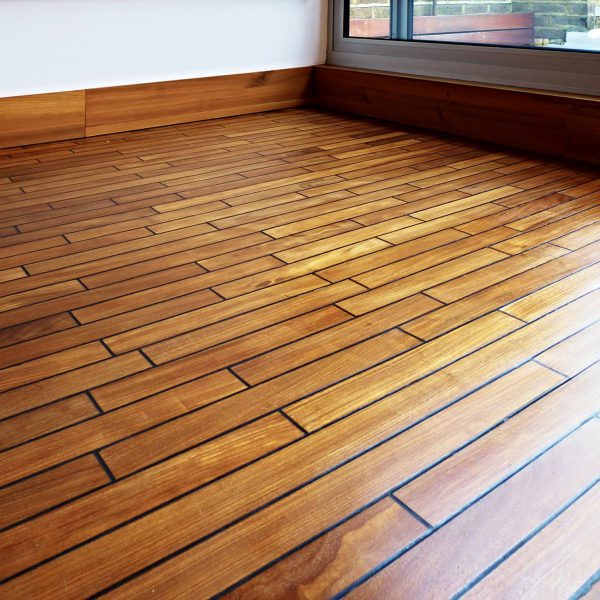 floorboards-teak-with-combination-of-black-sikaflex-edited